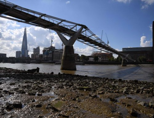 MUDLARKING THE THAMES – HISTORY IN THE MUCK